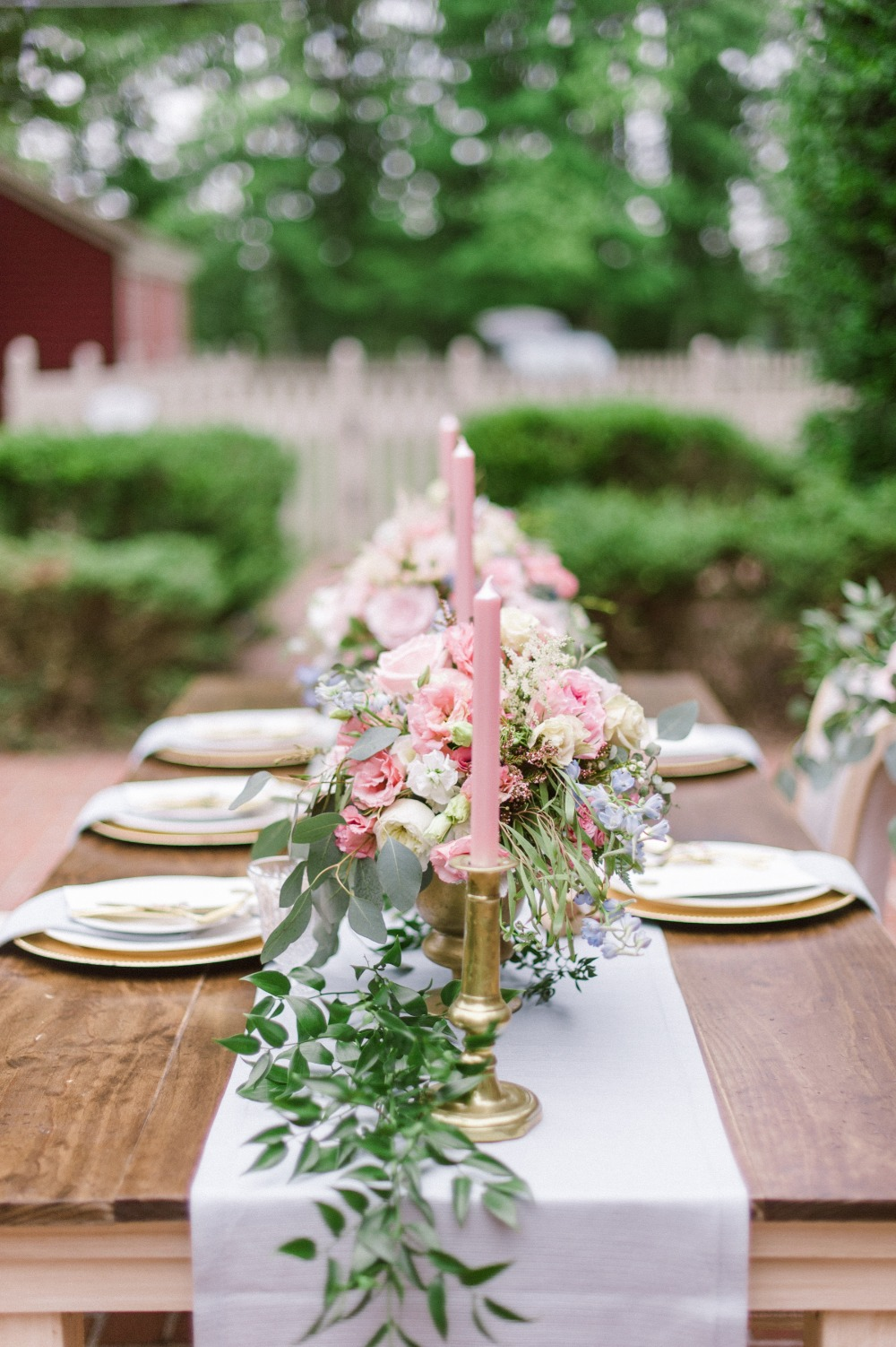 pink gold and dusty blue table decor