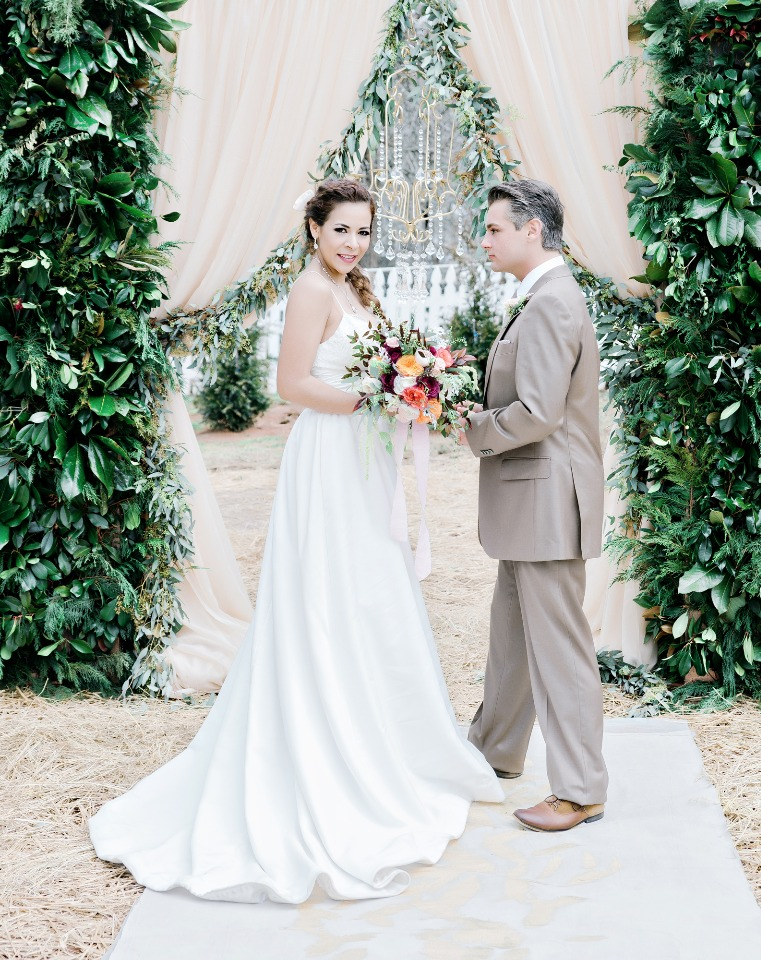 organic and glam wedding ceremony decor