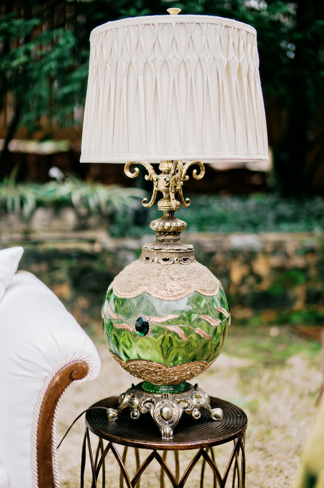 vintage lamp for your wedding lounge
