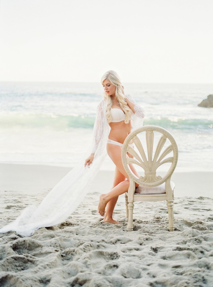 wedding boudoir shoot