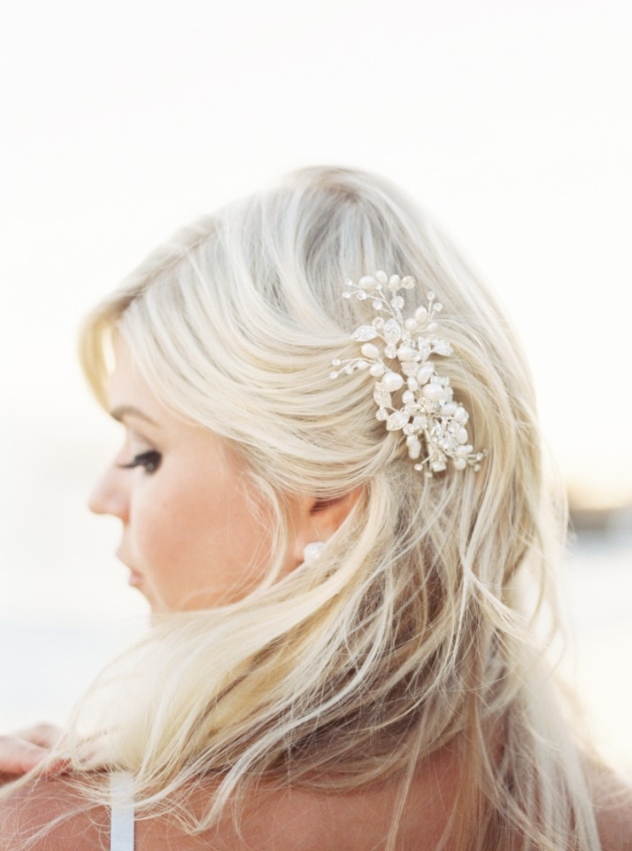 beach waves hair with beaded hair comb