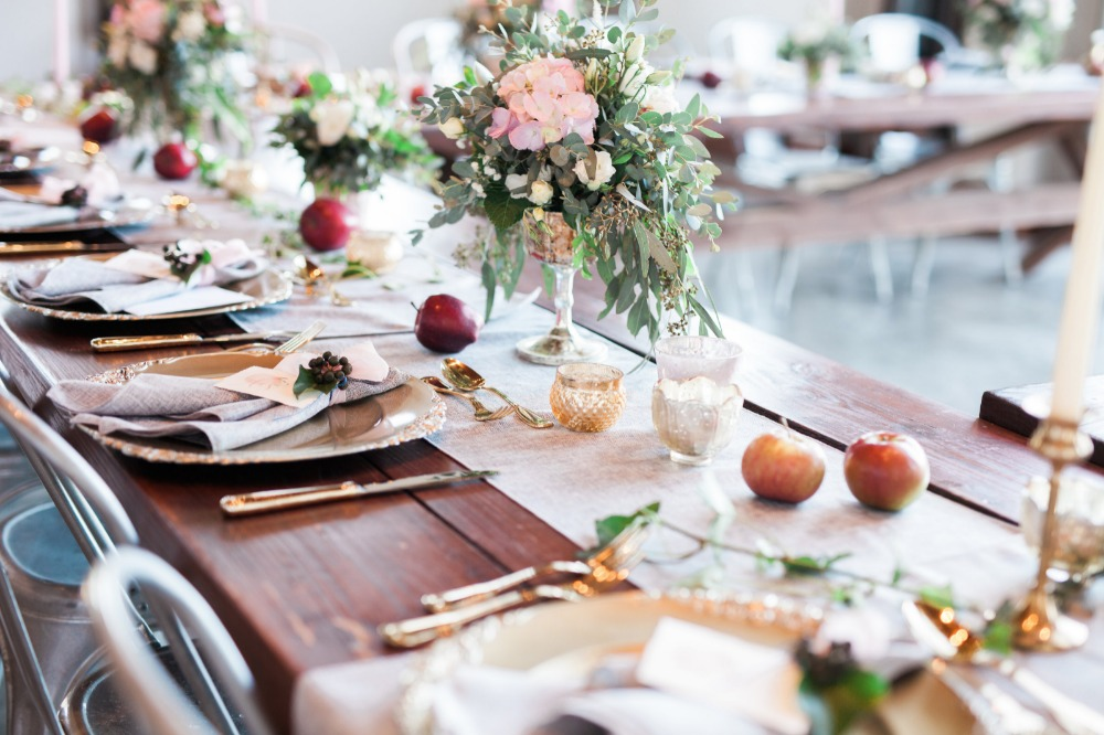 Natural wedding decor with apples