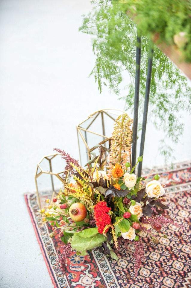 modern geometric wedding decor with fall flower accents