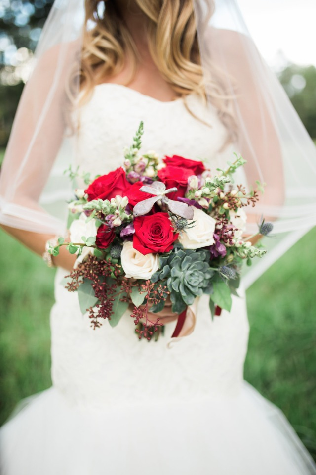 red and white country bouquet