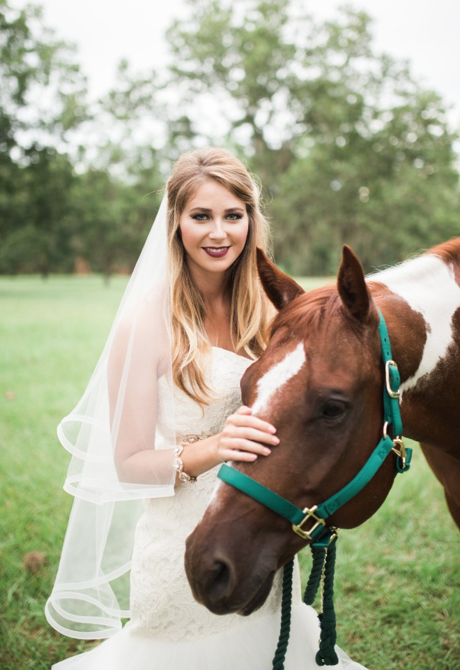 country weddings should always include horses