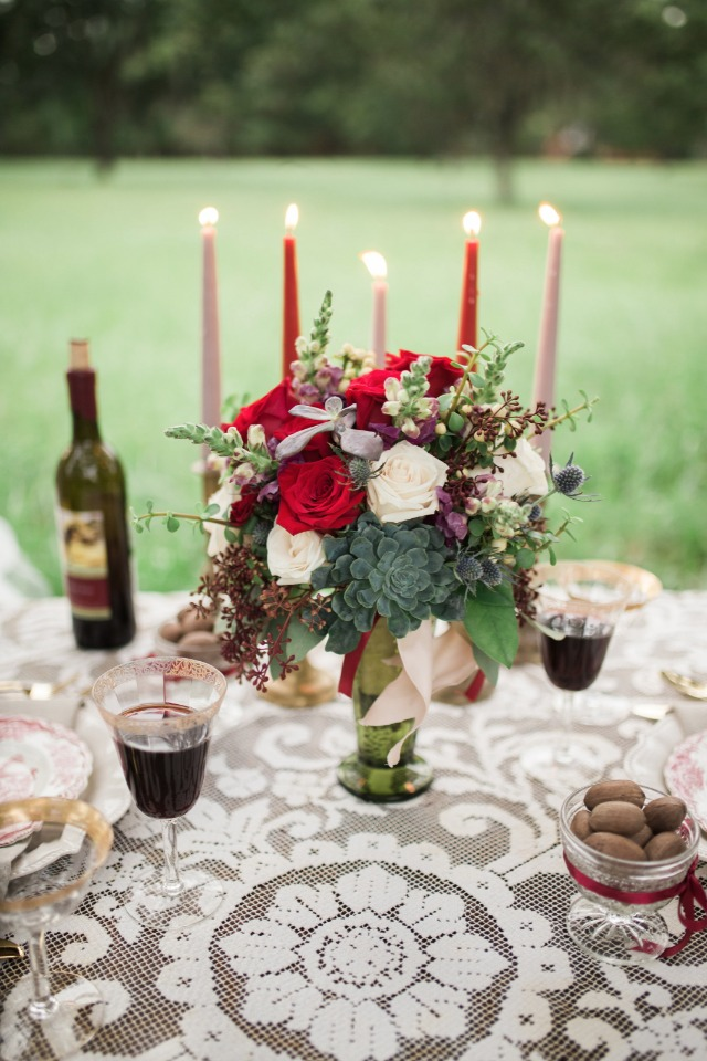 vintage and classic table decor idea