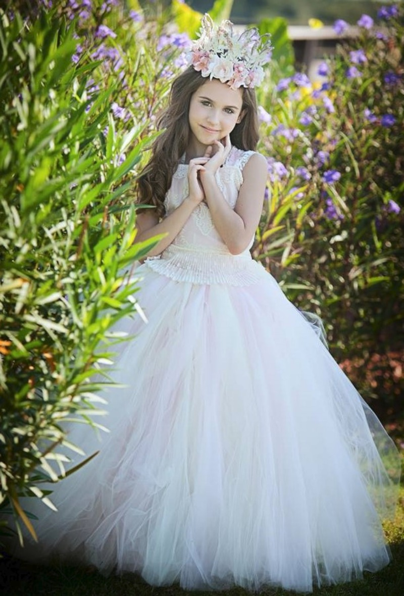 In Pink and Ivory with cameo lace on the top. Stunning! Imagine your little princess twirling and dancing in this ultra fluffy tulle
