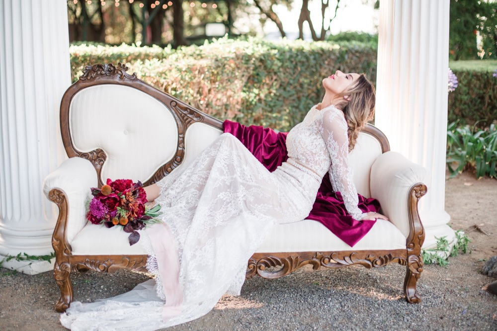Love her lace gown