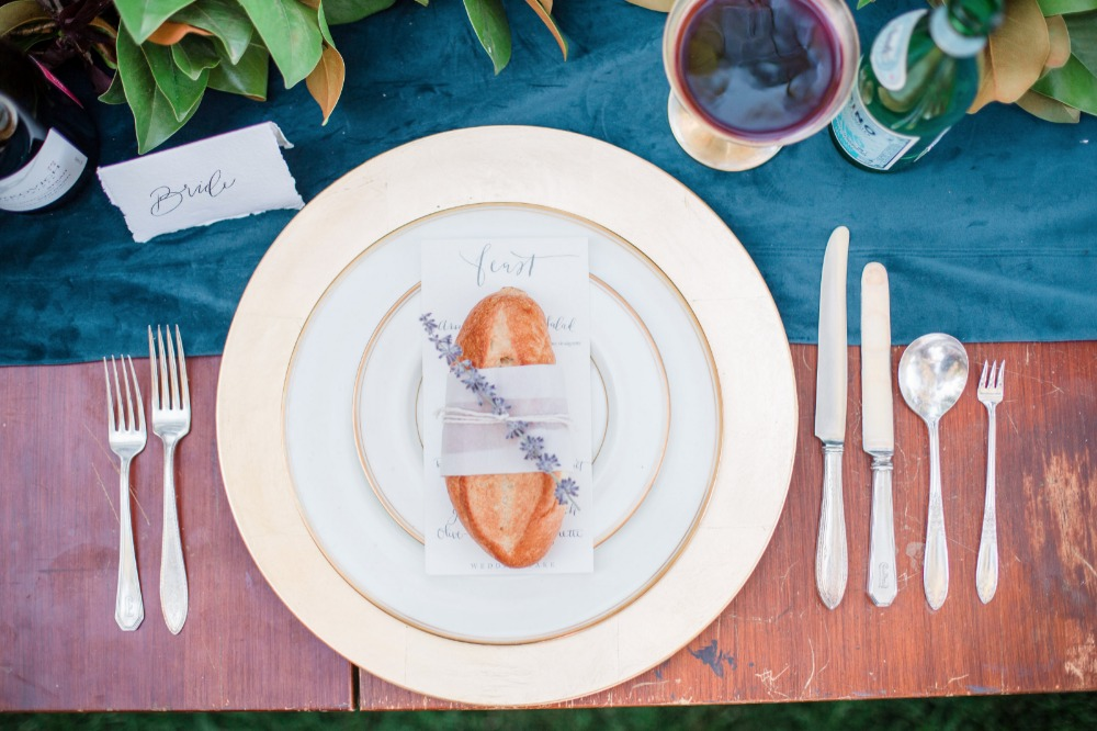 Loaves placesetting idea
