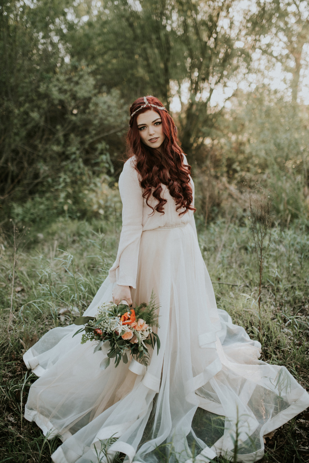 stunning boho bride wedding attire and look