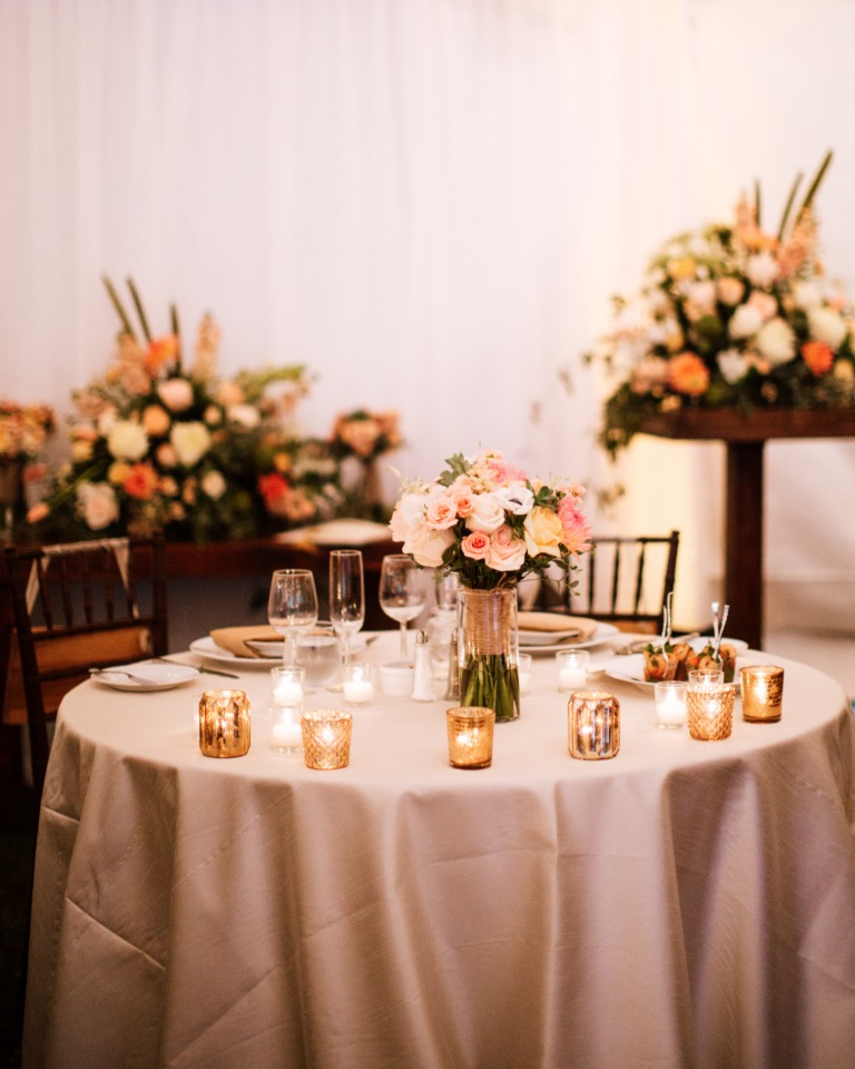 sweetheart table in gold and peach