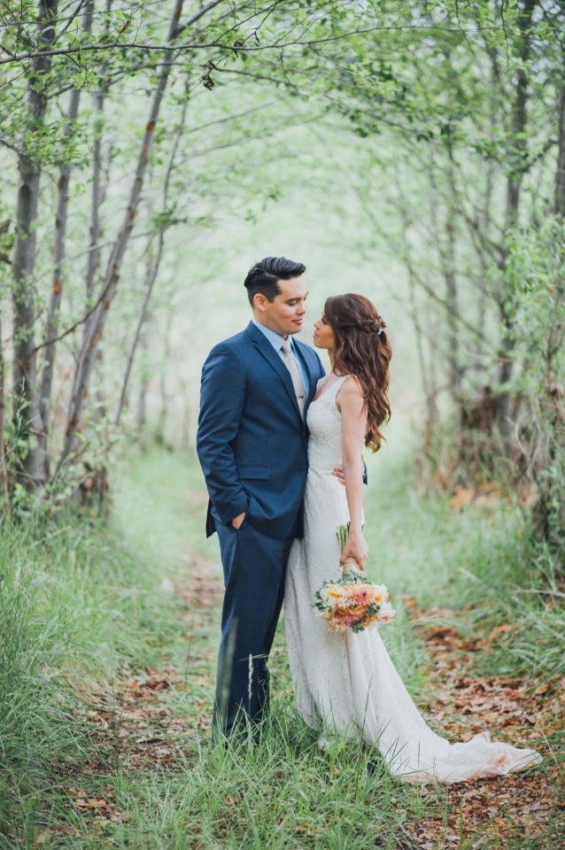romantic wedding forest photo session