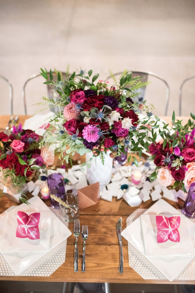 pink and gold table decor in modern style