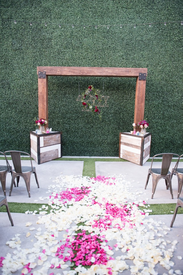 modern courtyard wedding ceremony