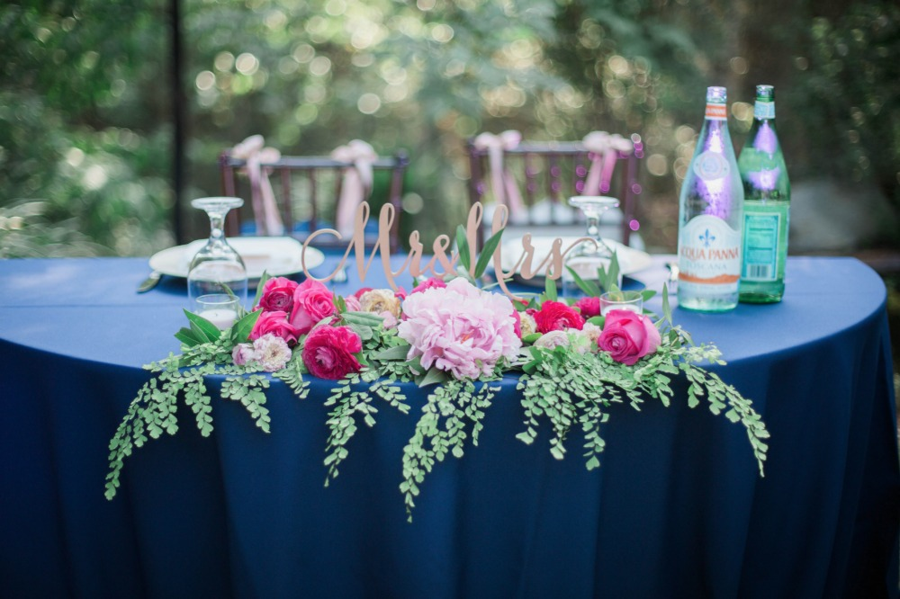 Blue and pink sweetheart table