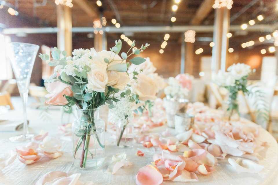 peach and ivory sweetheart table decor