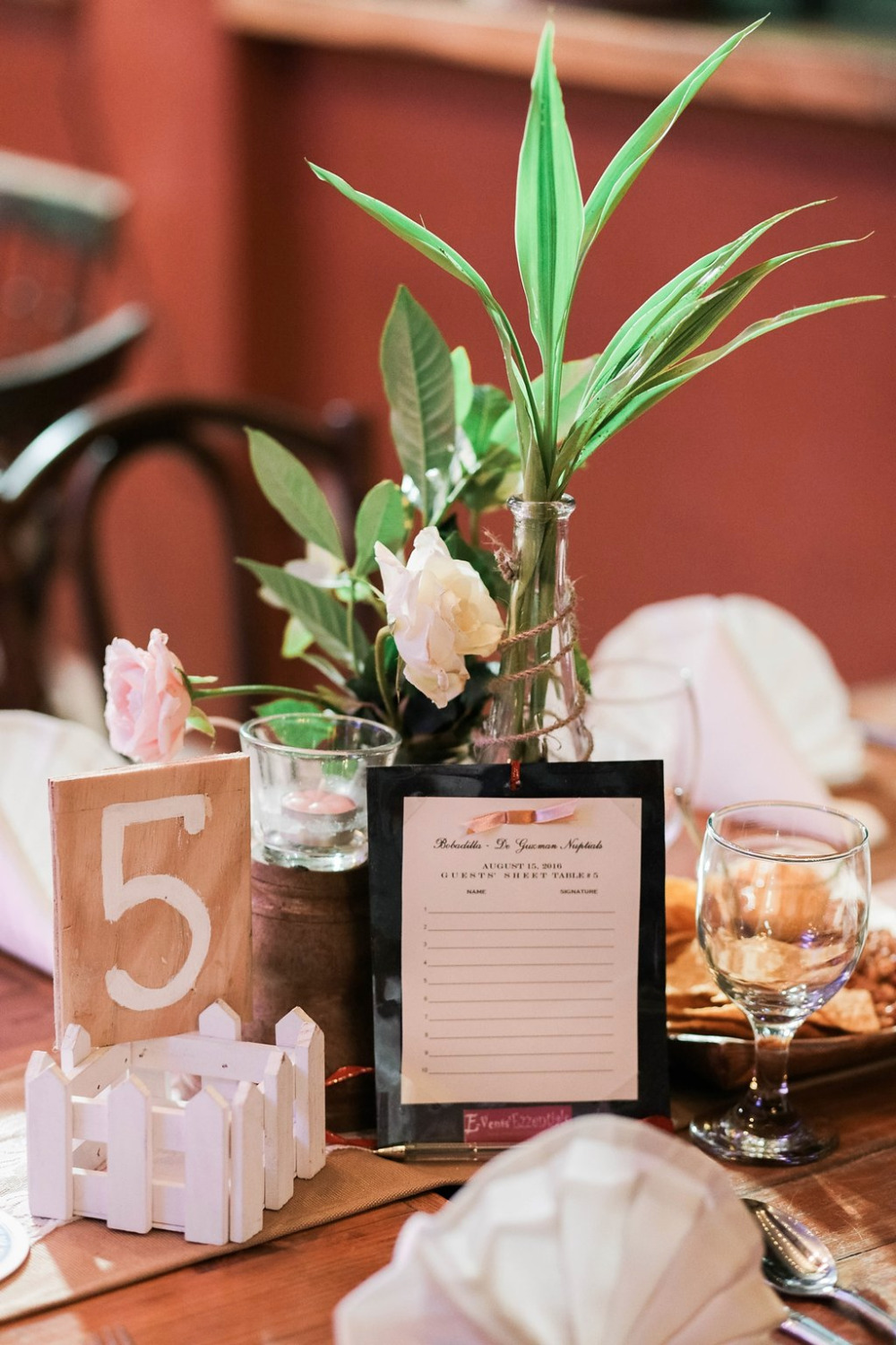 guestbooks for every wedding table