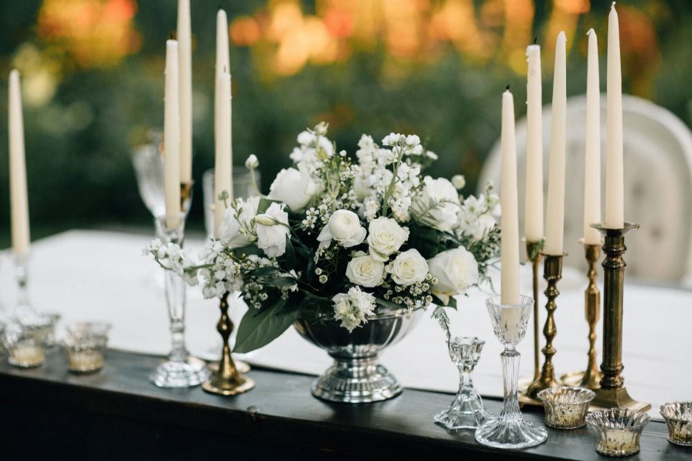 Candle sticks and floral table decor ideas