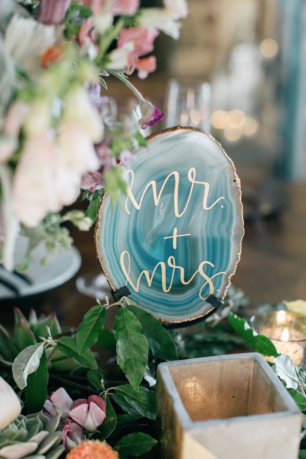 Geode Mr and Mrs for the sweetheart table