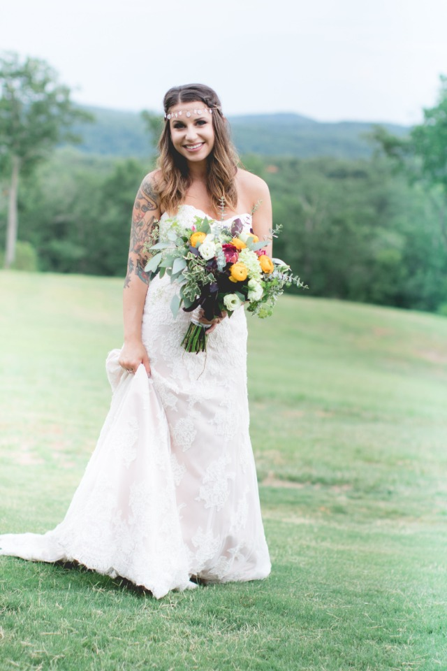 Beautiful boho inspired bridal look we love