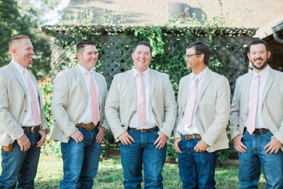 Country wedding look for Groomsmen