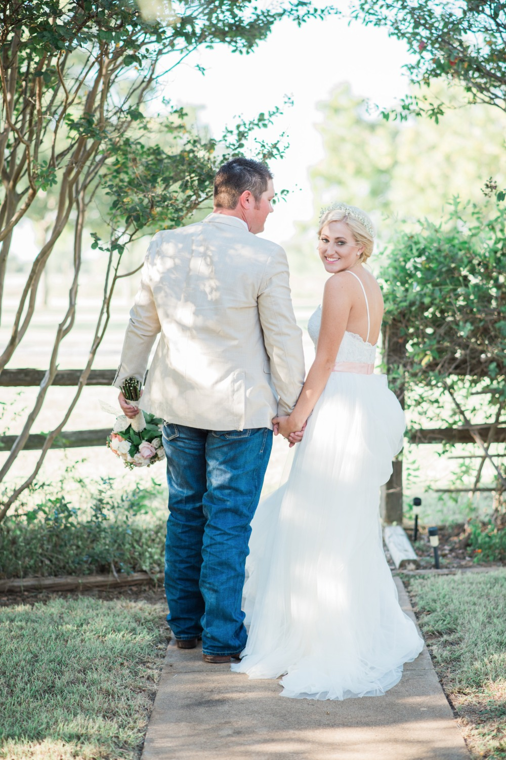 Gallery Elegant Blush And White Outdoor Country Wedding In Texas