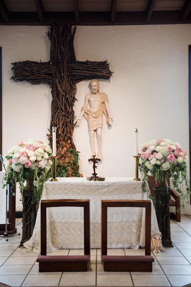 Classic ceremony alter decor
