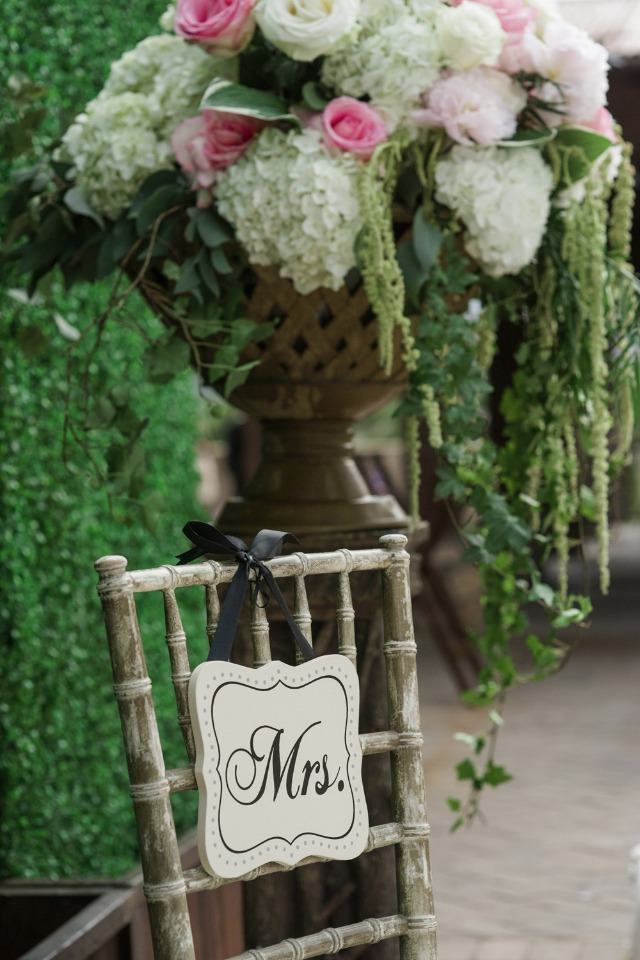 Mrs chair sign