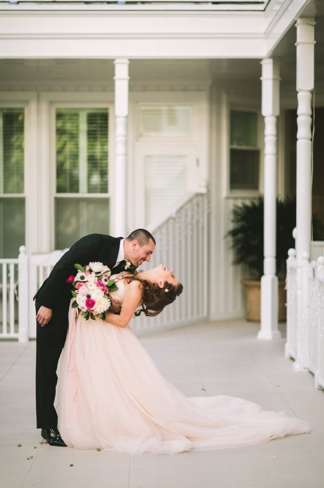dramatic wedding kiss photo