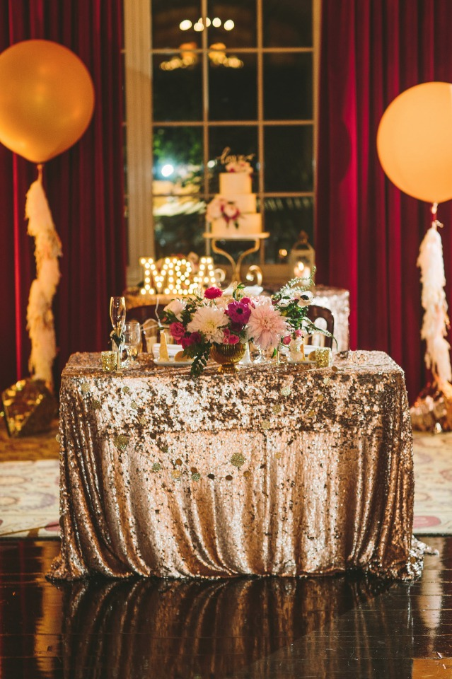 glam gold sweetheart table