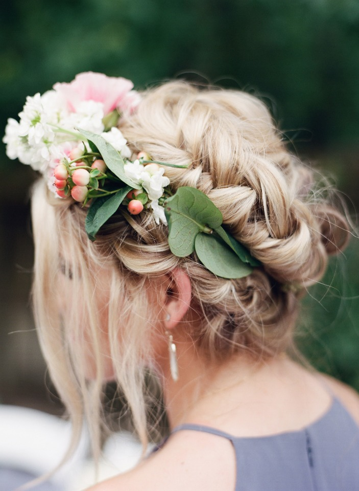 beautiful flower halo for your bridesmaids