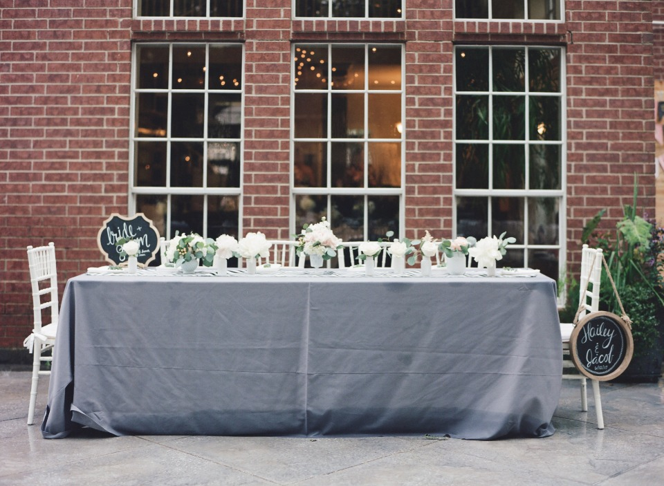 Bridal party sweetheart table