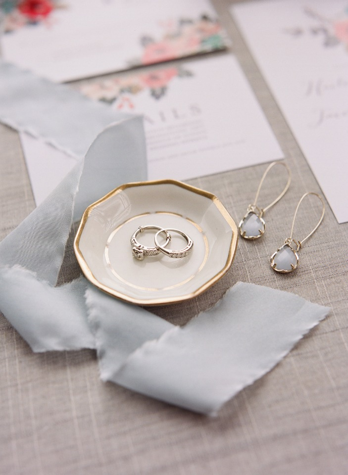 wedding rings and wedding earrings