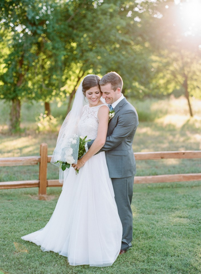 Beautiful and elegant green and white wedding
