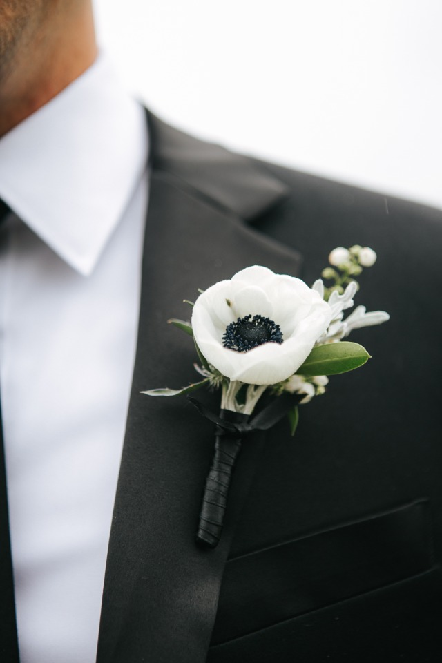 Chic boutonniere for the groom