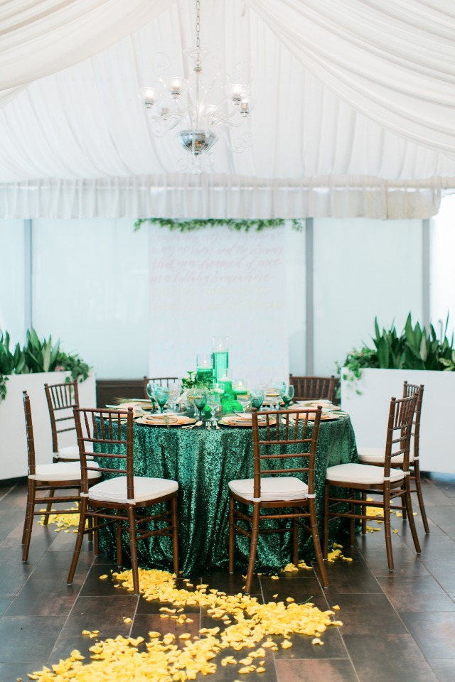 emerald city themed table decor