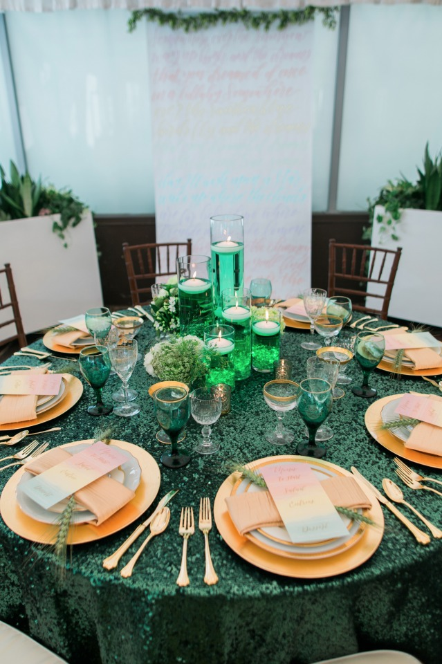 emerald green and gold glam wedding table