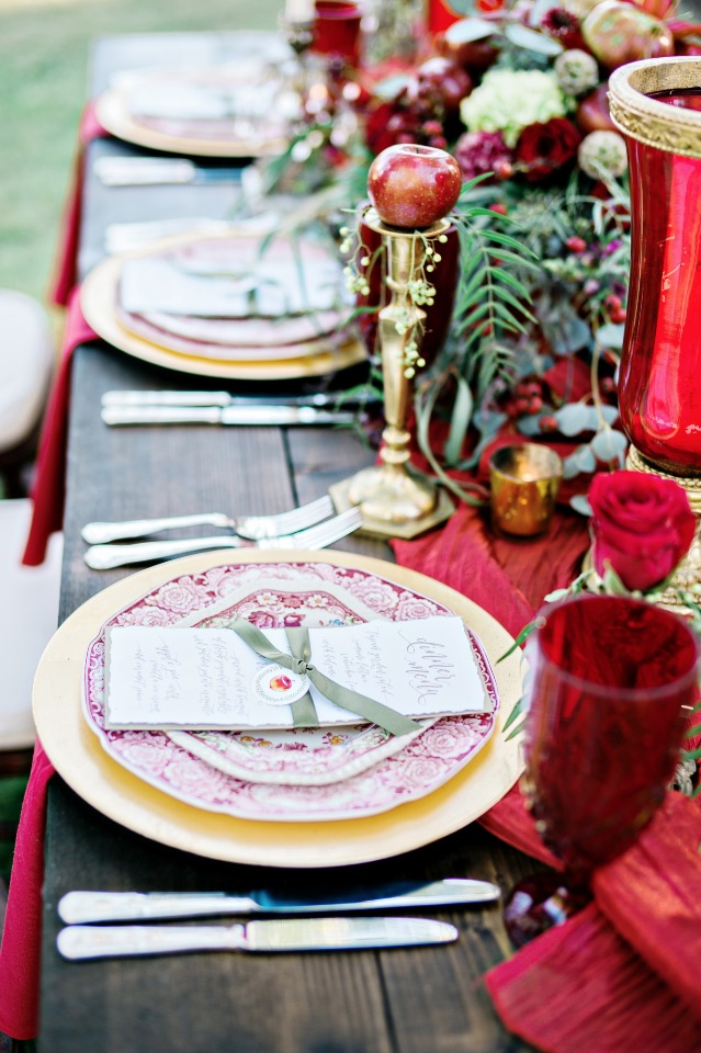 gold and candy apple red wedding table