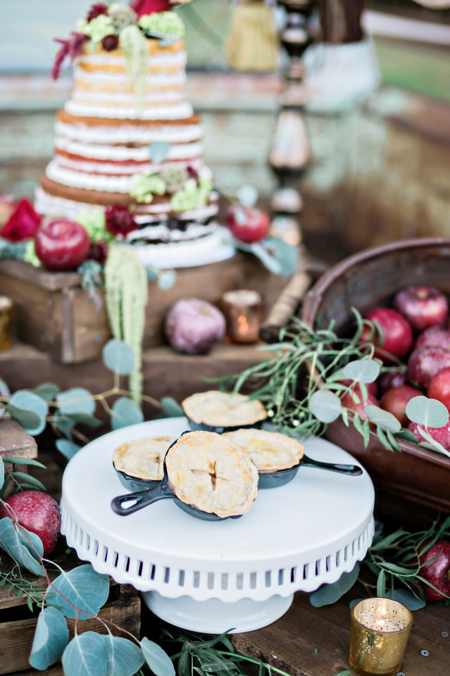 cute apple pie themed dessert table