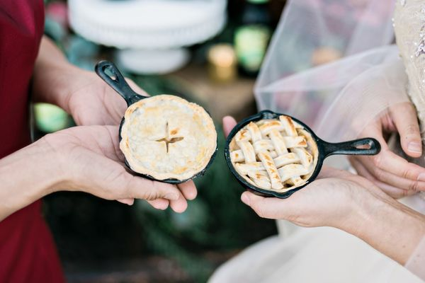 This fall wedding shoot in Georgia is as American as apple pie