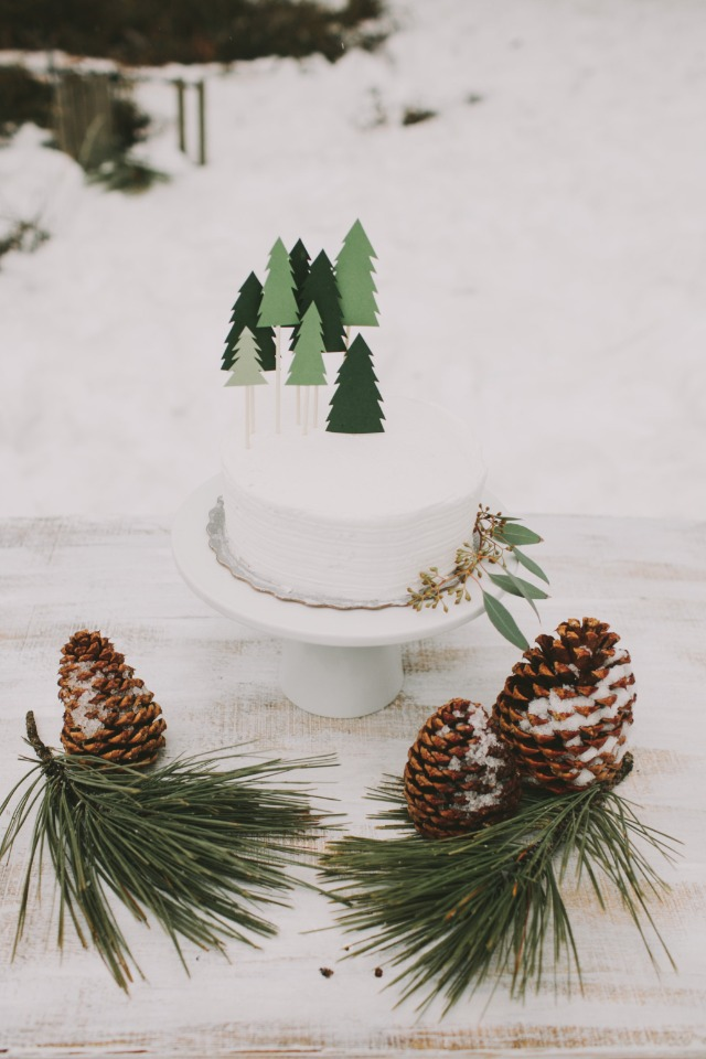 DIY pine tree cake topper
