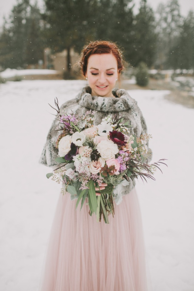 winter bride with unique wedding style