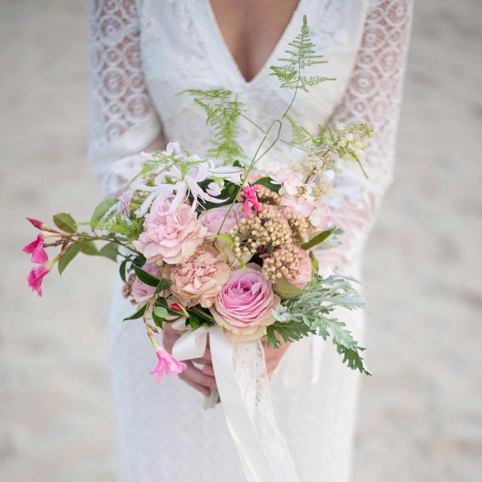 pink weddng bouquet