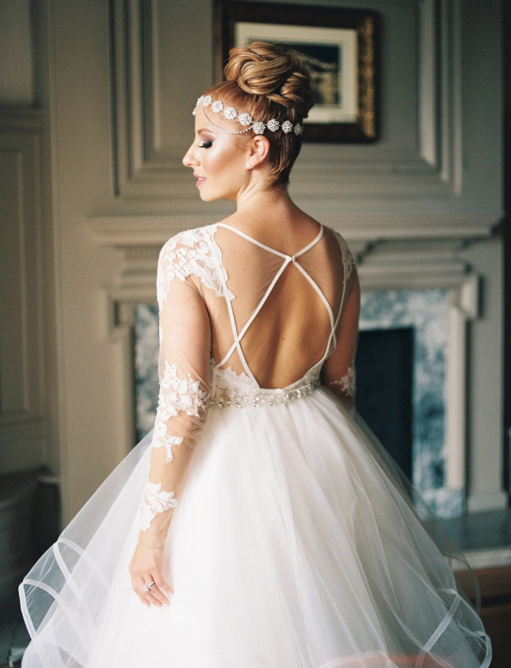 Love the back of her wedding dress