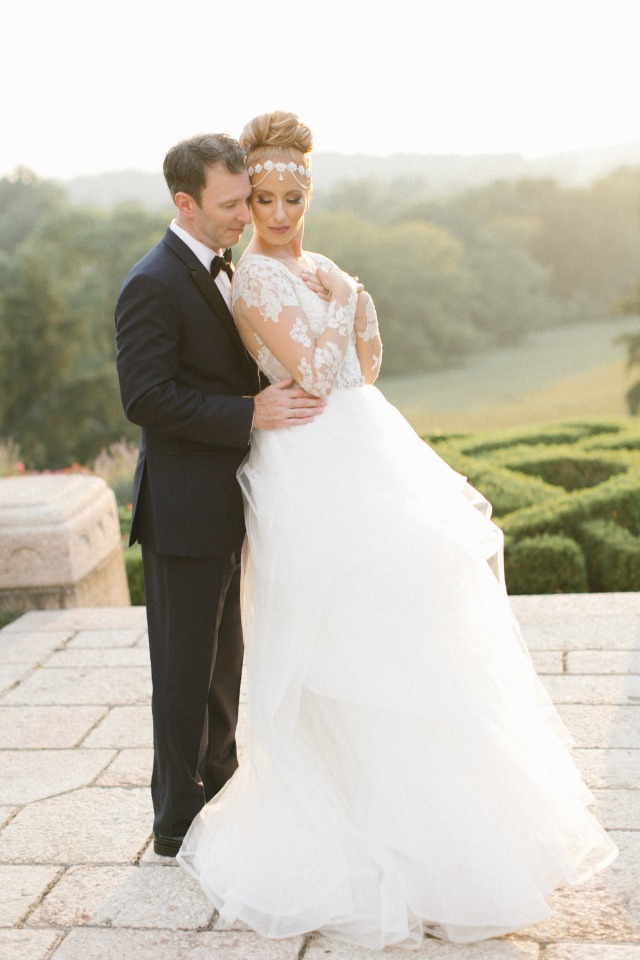 Stunning black and white glam wedding