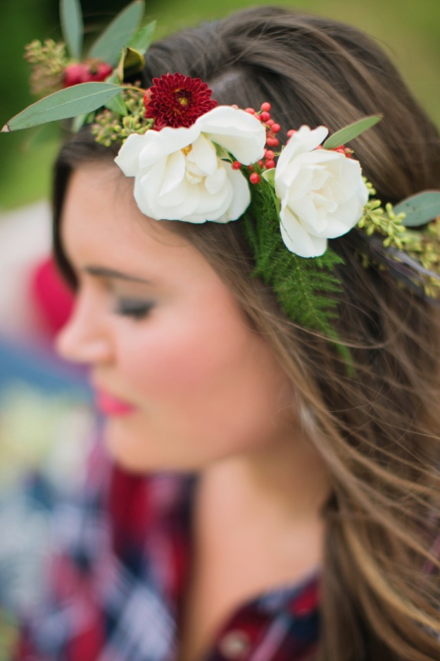 Floral red and white crown