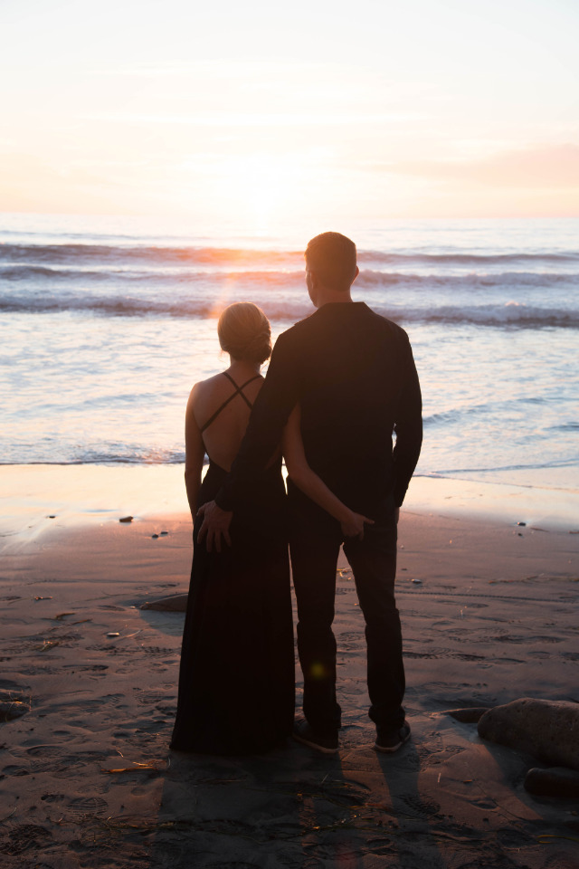sunset engagement photography session on the beach