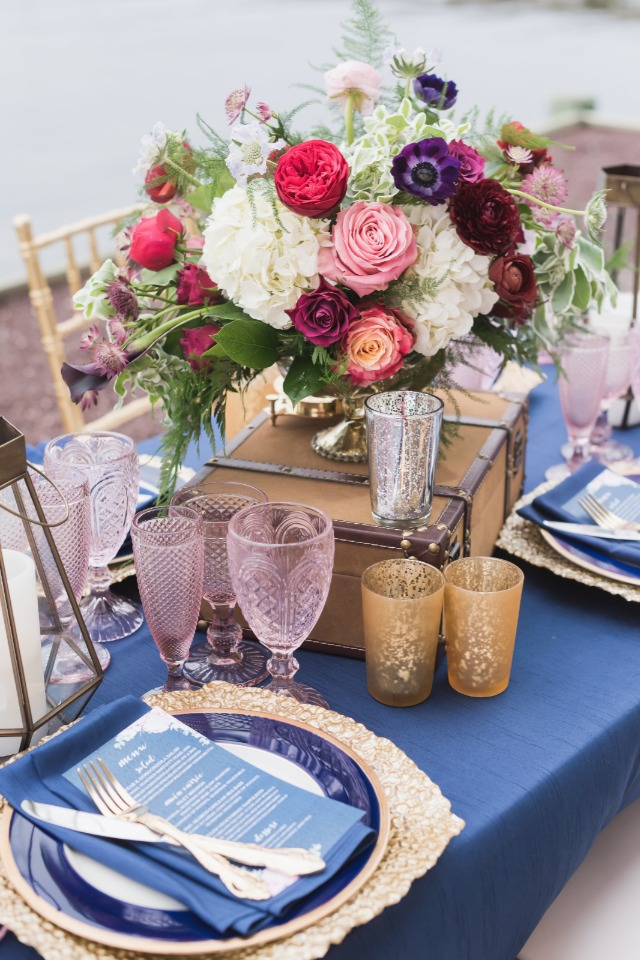 vintage blue gold and pink wedding table decor