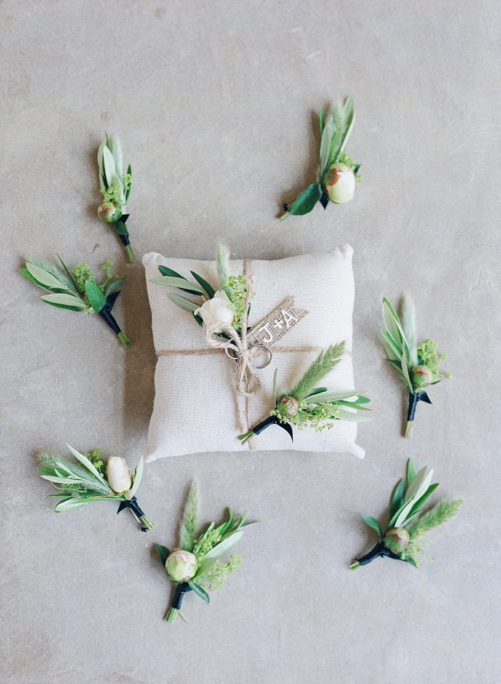 classic ring pillow and boutonnieres