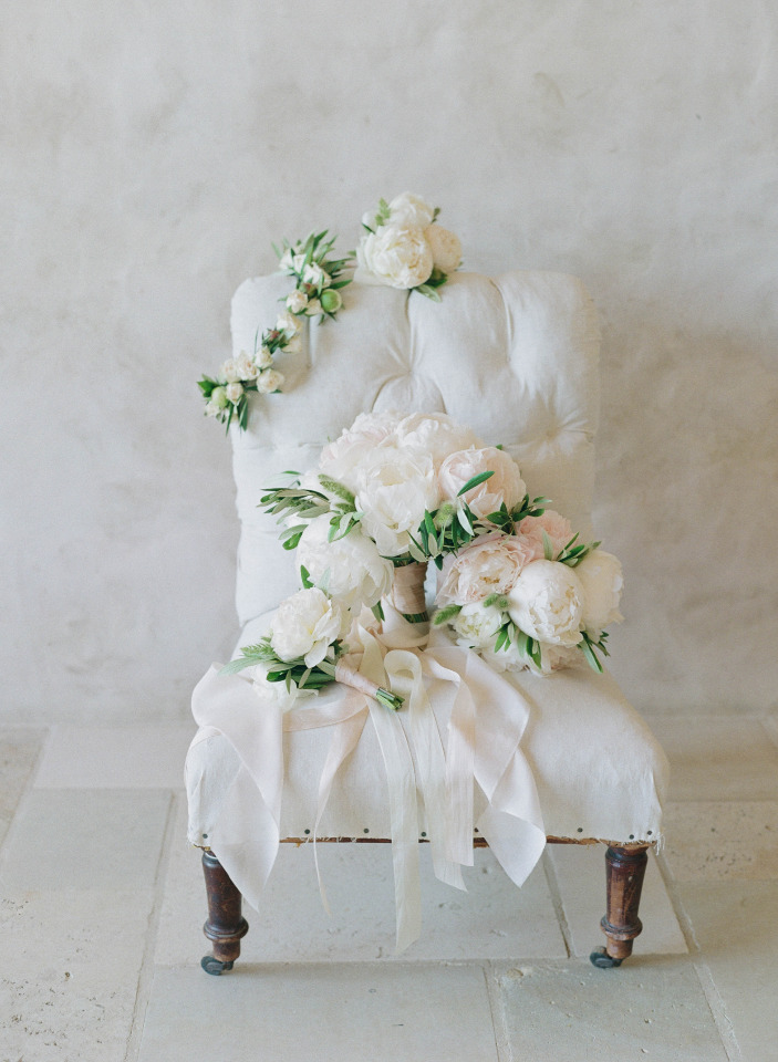white and blush peony wedding bouquet and flowers